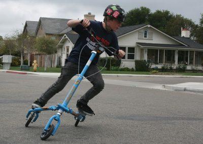 T67 blue boy riding2