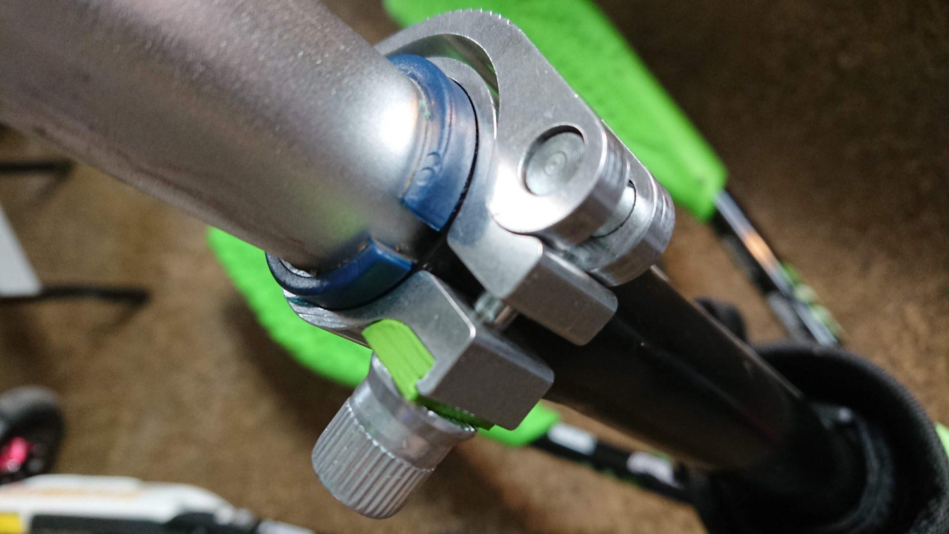 Modyfikacja szybkozamykacza w Skki Trikke model zielono/czarny.