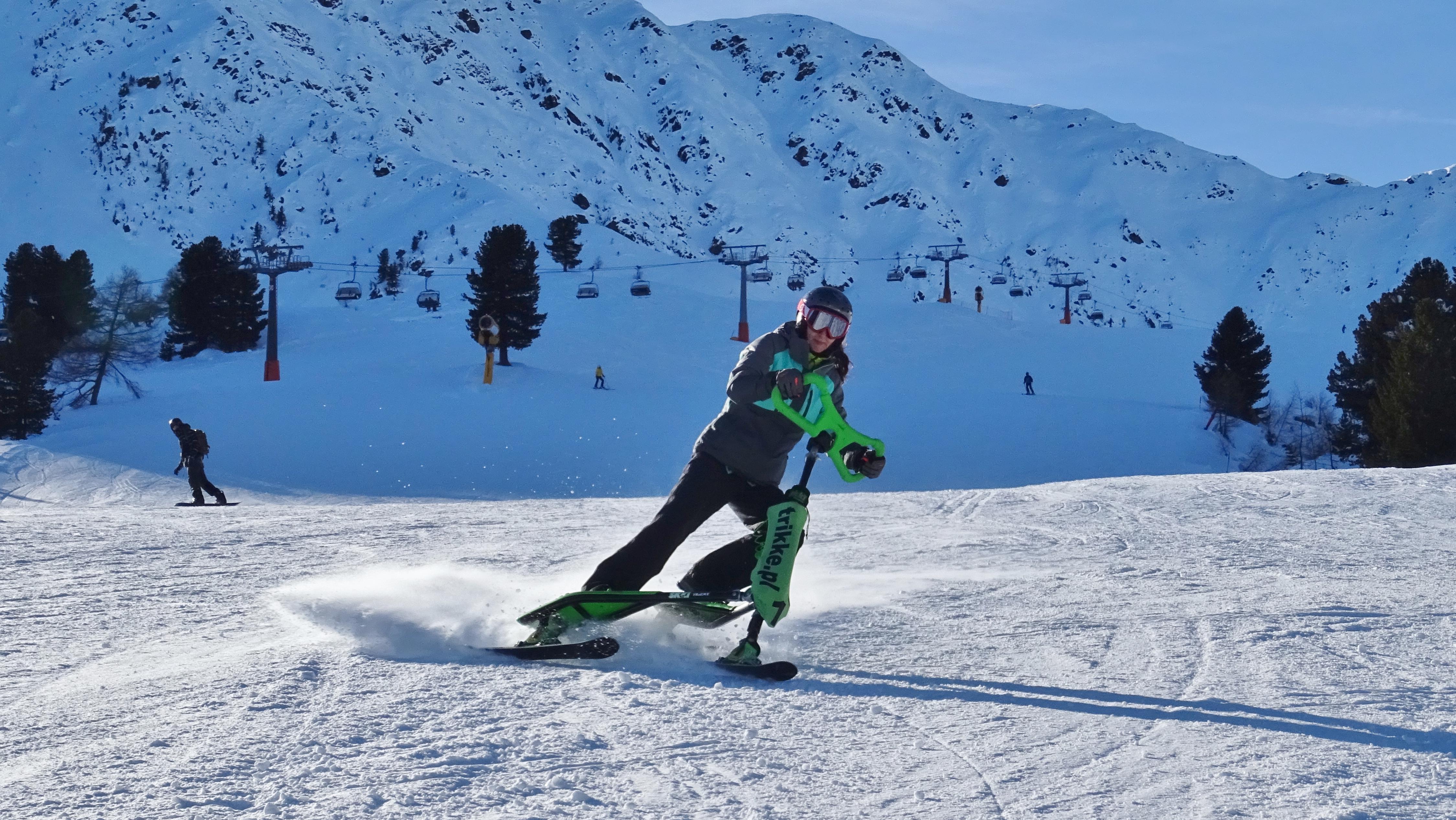 Kobiece narciarstwo na Skki Trikke. Prezentacja.
